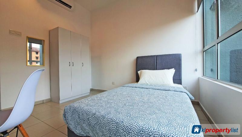 Room in condominium for rent in Damansara Damai in Selangor