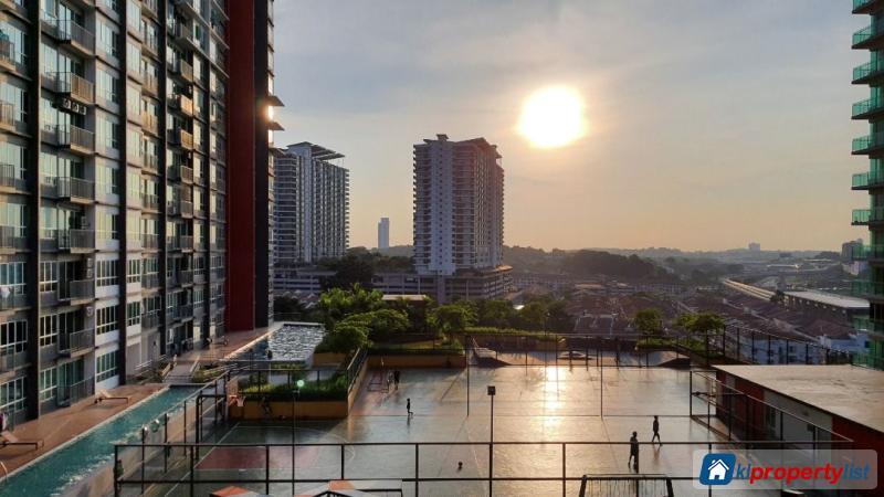 Room in condominium for rent in Damansara Damai in Selangor - image