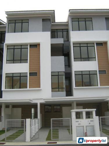 Picture of 4 bedroom 4.5-sty Terrace/Link House for sale in Subang Jaya