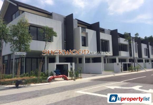 Picture of 6 bedroom Townhouse for sale in Seri Kembangan