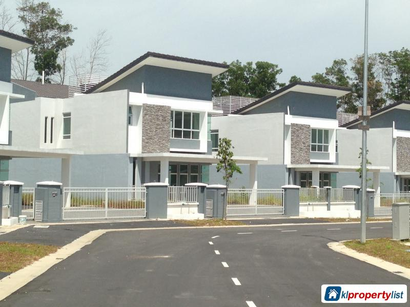 5 Bedroom Zero Lot Bungalow For Sale In Pandan Jaya 7214