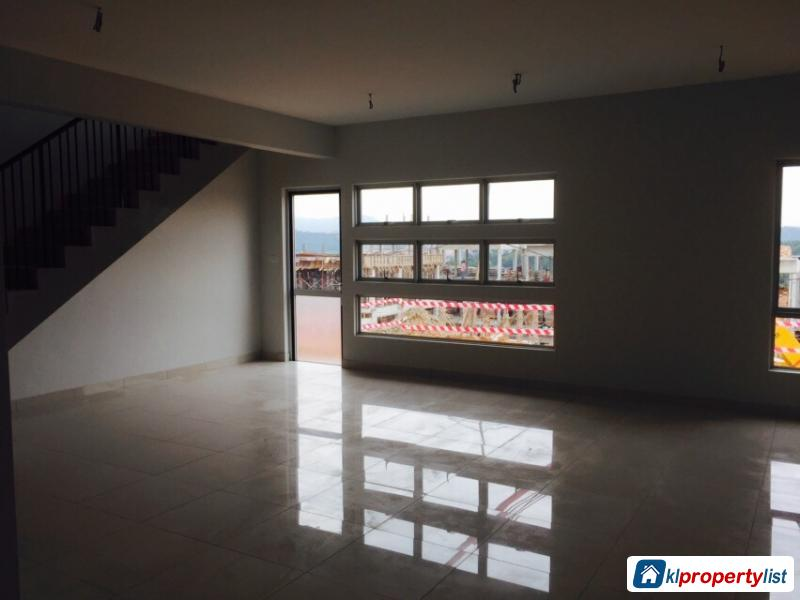 Picture of 4 bedroom 3-sty Terrace/Link House for sale in Sungai Buloh