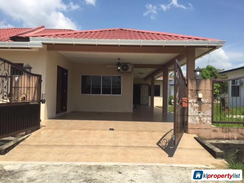Picture of 3 bedroom Semi-detached House for sale in Kuching